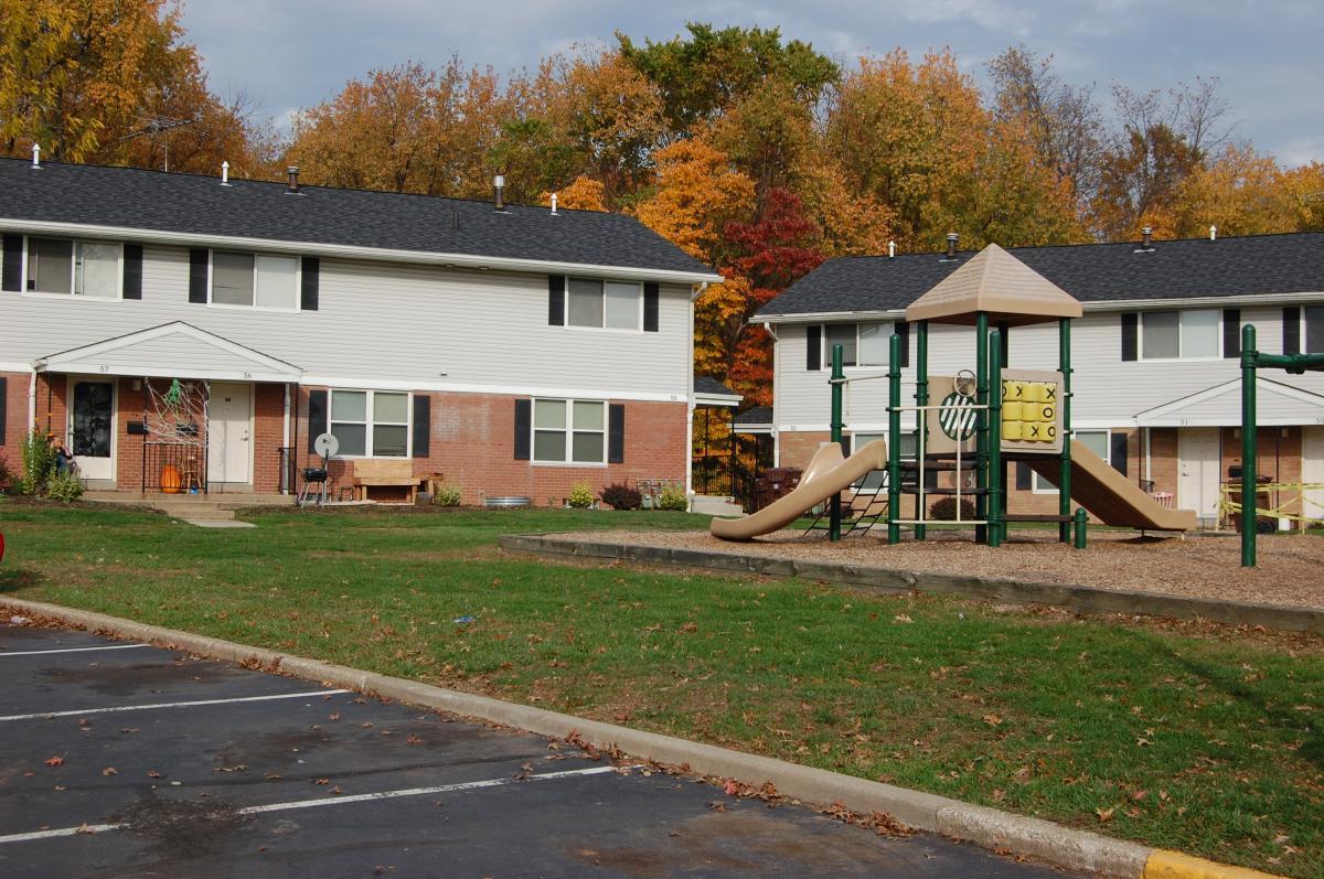 Housing - Colonial Hills Apartments : Akron Metropolitan Housing ...